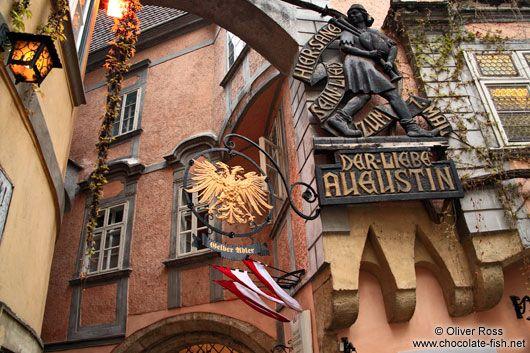"""""""Der Liebe Augustin"""" a very traditional and old Bar/Restaurant in the 1st district of Vienna. Near """"Schwedenplatz"""""""