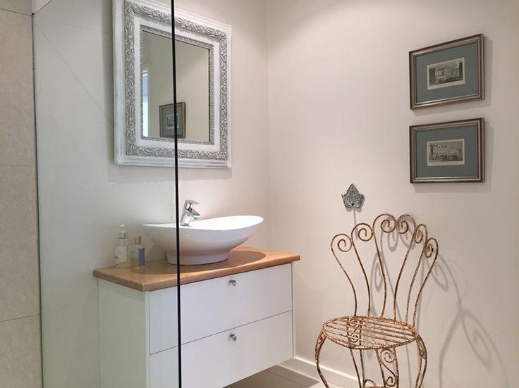 Ant's Nest: Bathroom.  FIREFLYvillas, Hermanus, 7200 @fireflyvillas ,bookings@fireflyvillas.com,  #Ant'sNest #FIREFLYvillas # HermanusAccommodation