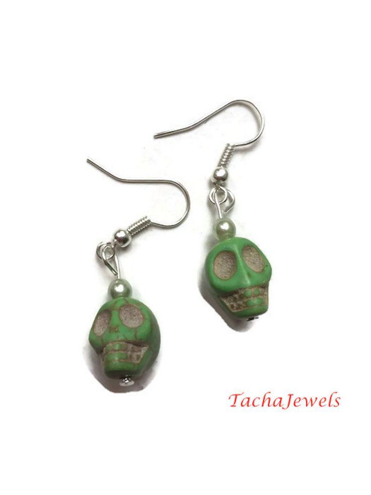 Boucles d'oreilles Tête de Mort Vert : Boucles d'oreille par tachajewels