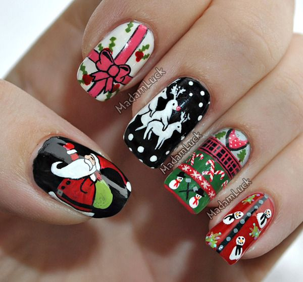 Christmas sweater nail art - why are the deer humping each other?????  lol