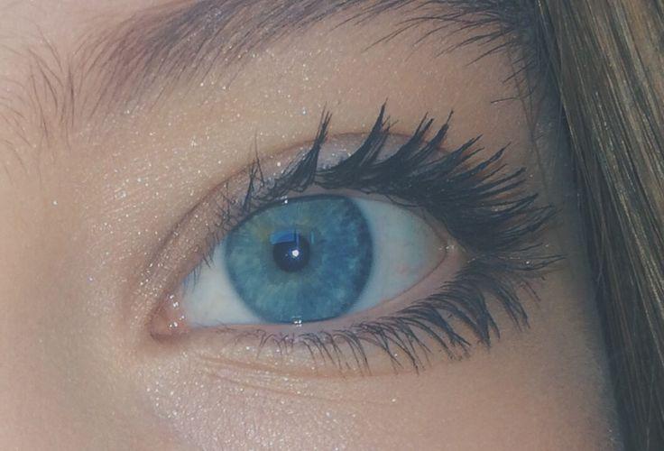 #me #selfie #blue #eye #flash