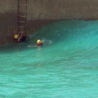 S23E8: SPEEDBUMP: Cross a Wave pool