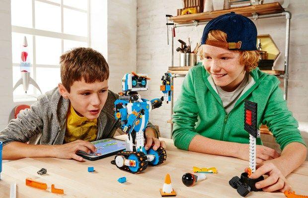 CES2017 – Lego Boost – un fel de Mindstorms (set Lego de robotică) dedicat copiilor mai mici
