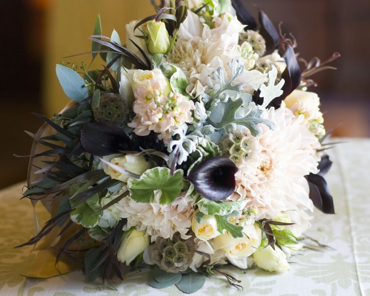 fall bridal bouquets sacramento wedding flowers flourish wedding flowers floral design. Black Bedroom Furniture Sets. Home Design Ideas