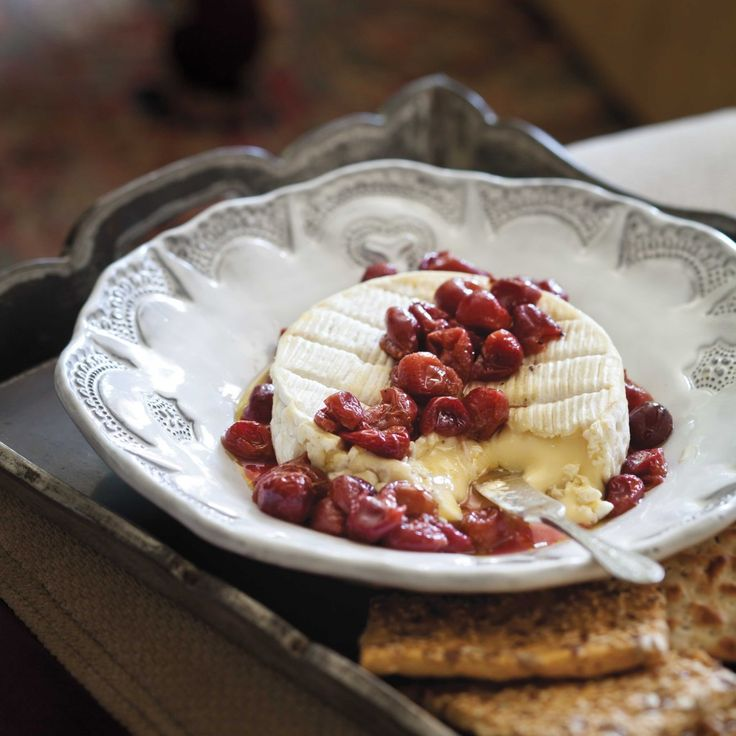 Camembert with Roasted Grapes