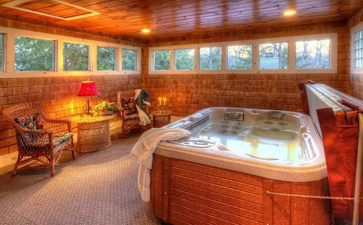 Best 25 indoor hot tubs ideas on pinterest dream pools - Reno hotels with indoor swimming pool ...