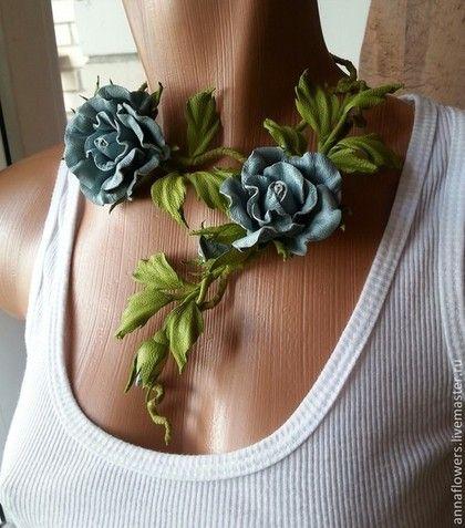 """Колье из кожи """" Голубые розы"""" - голубой,колье из кожи,розы из кожи,кожаные аксессуары"""