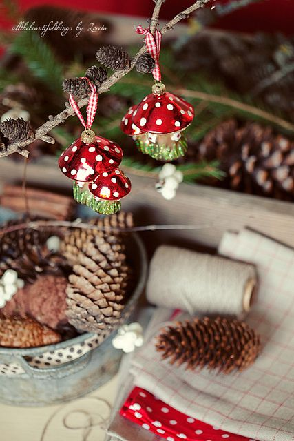 Polka Dot Christmas by loretoidas,