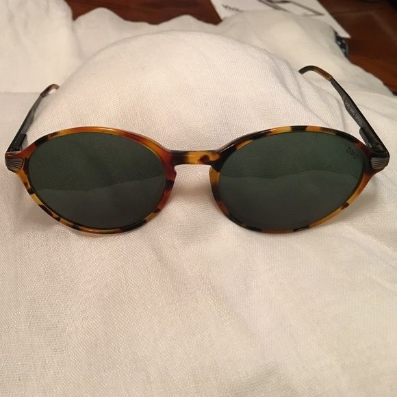 David Marc Optics tortoise aviator sunglasses Handmade Italian sunglasses. Beautiful details. Considered getting new lenses, since they were pricy, but are a little small for my face. Some scratches on lenses. David Marc Optics Accessories Sunglasses