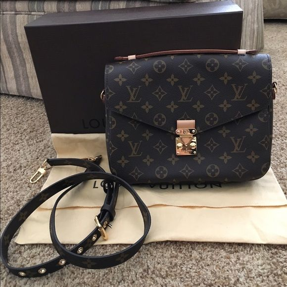 Louis Vuitton Pochette Metis Brand new. Used for an hour. AUTHENTIC. Purchased at South Coast Plaza Louis Vuitton in July 2015. Includes box and dust bag. Can give a copy of receipt. S lock closure. No marks, stains, or tears. Adjustable and removable strap. Louis Vuitton Bags Crossbody Bags