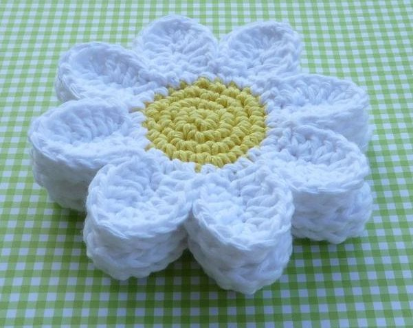 Free crochet coaster pattern  Love this one! It is really cute, perfect for summer.  :)