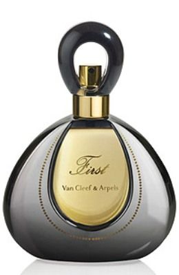 First Eau de Parfum Intense by Van Cleef & Arpels. The floral scent is now more long-lasting and of better quality. Its opulent opening notes continue with the floral heart composed of jasmine, frangipani, mimosa and iris, while the composition closes with sweet vanilla and praline notes.