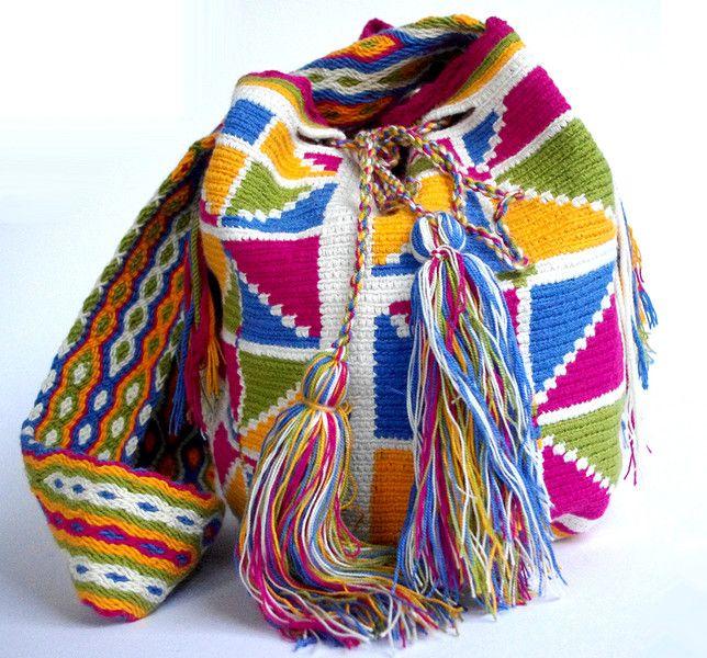 Mochila Wayuu Marmorweiß mit geometrischen Mustern - http://www.kogi-accessoires.com/