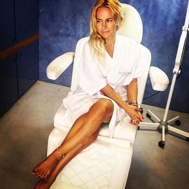 "Beautiful Day: η @maria_androutsou απολαμβάνει τη δική της ημέρα στο Vivify Γλυφάδας RepostBy @maria_androutsou: ""Μερα ομορφιας volume 2 💄 👠 #vivifyglyfada  #vivifythebeautylab  #beautytreatments  #zen  #relaxing  #beautyday #nomakeup""  #vivify #thebeautylab #vivifyyourself #beautyscience"