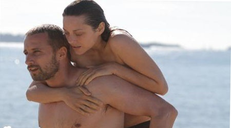 """«Σώμα με σώμα» (""""Rust and bones"""") του Jacques Audiard    Ως «Σώμα με σώμα» τιτλοφορείται η καινούργια ταινία του γάλλου σκηνοθέτη Jacques Audiard η οποία προβλήθηκε για πρώτη φορά στο Φεστιβάλ Καννών το 2012, όπου και διαγωνίστηκε για τον Χρυσό Φοίνικα."""