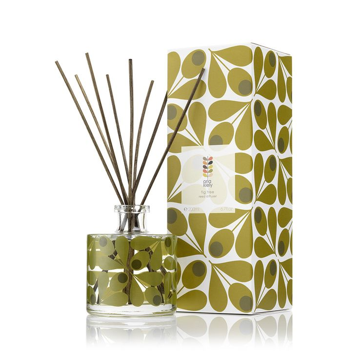 Update your home aroma with this Fig reed diffuser from Orla Kiely. Inspired by the individual elements of the fig tree, the aroma is constructed from green leaves, earthy bark and sweet fruit fragra