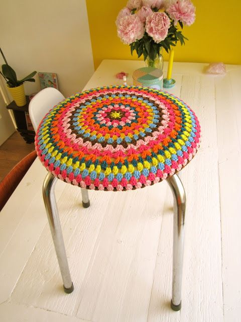 Color 'n Cream Crochet and Dream: Color Bomb Stool Part Deux
