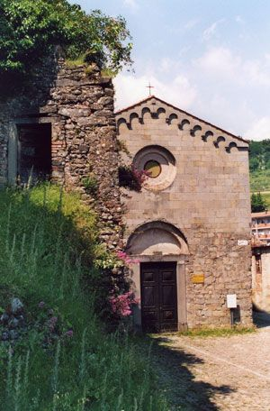 Le Chiese: San Pietro Built at the foot of the medieval stronghold, it represents one of the major  religious buildings in the town. It is first mentioned in the eighth sentury and like San Michele it has a longobard planning. The original structure dates back to 1197.