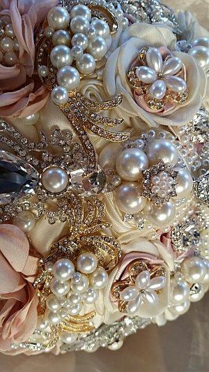 COUTURE BROOCH BOUQUET, Custom Brooch Bouquet, Deposit Only, Jeweled Pink Ivory and Gold Jeweled Wedding Bouquet, brooch Bouquet