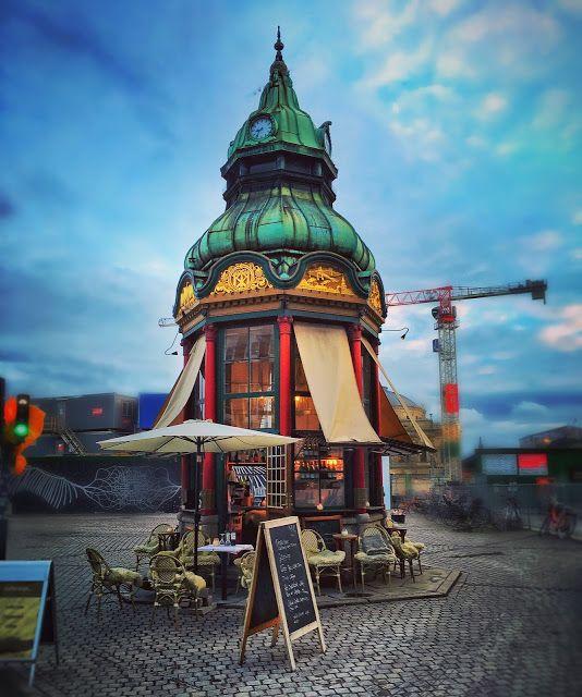 11 Telephone Kiosks in Copenhagen - forge iron details