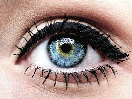 اقوي مجموعه مكياج عيون تحفه 26e6e570e656f14e99c9