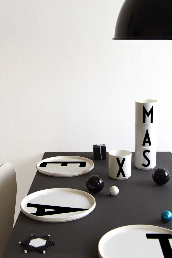 Via Have a Nice Style   Design Letters   Black and White   X-mas