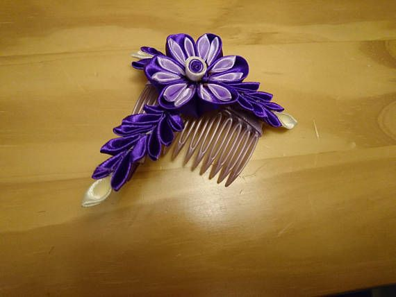 Check out this item in my Etsy shop https://www.etsy.com/listing/520522056/purple-kanzashi-hair-comb