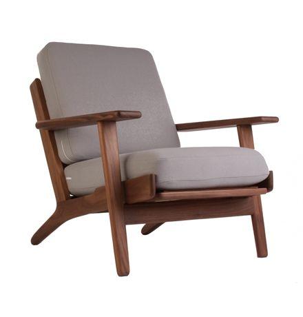 The Matt Blatt Replica Hans Wegner Plank Armchair - Oak/Walnut Matt blast $995