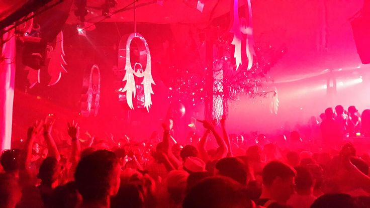 What an incredible atmosphere in Ibiza! shimmybeachclub.com