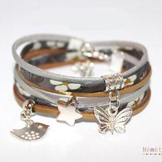 Bracelet liberty tissu fleurs mitsi gris, suédine doré et argenté aspect cuir, breloques métal argenté