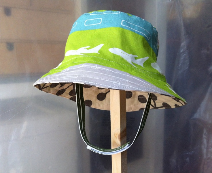 ff5934ee Don't choose infant sun hats with a 1-piece chin strap. if