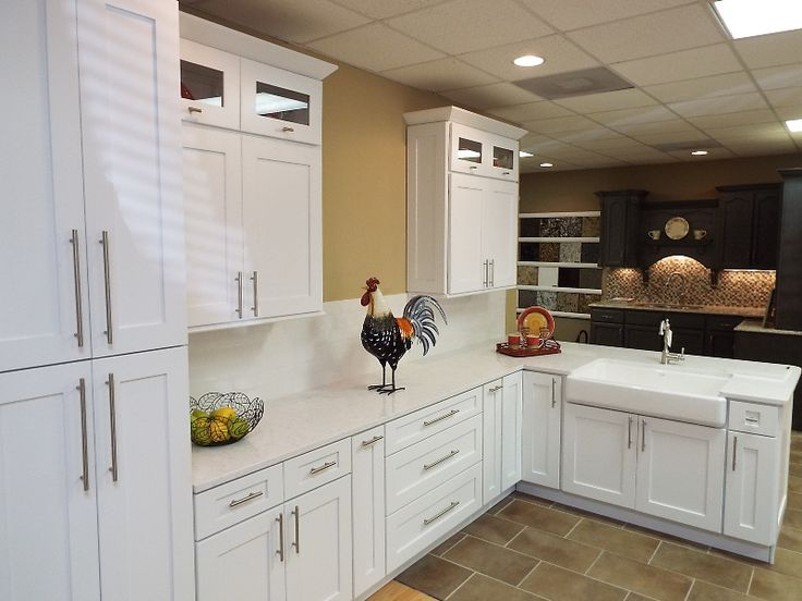 Viatera Cirrus Quartz Shaker Style Cabinets And Farm Sink