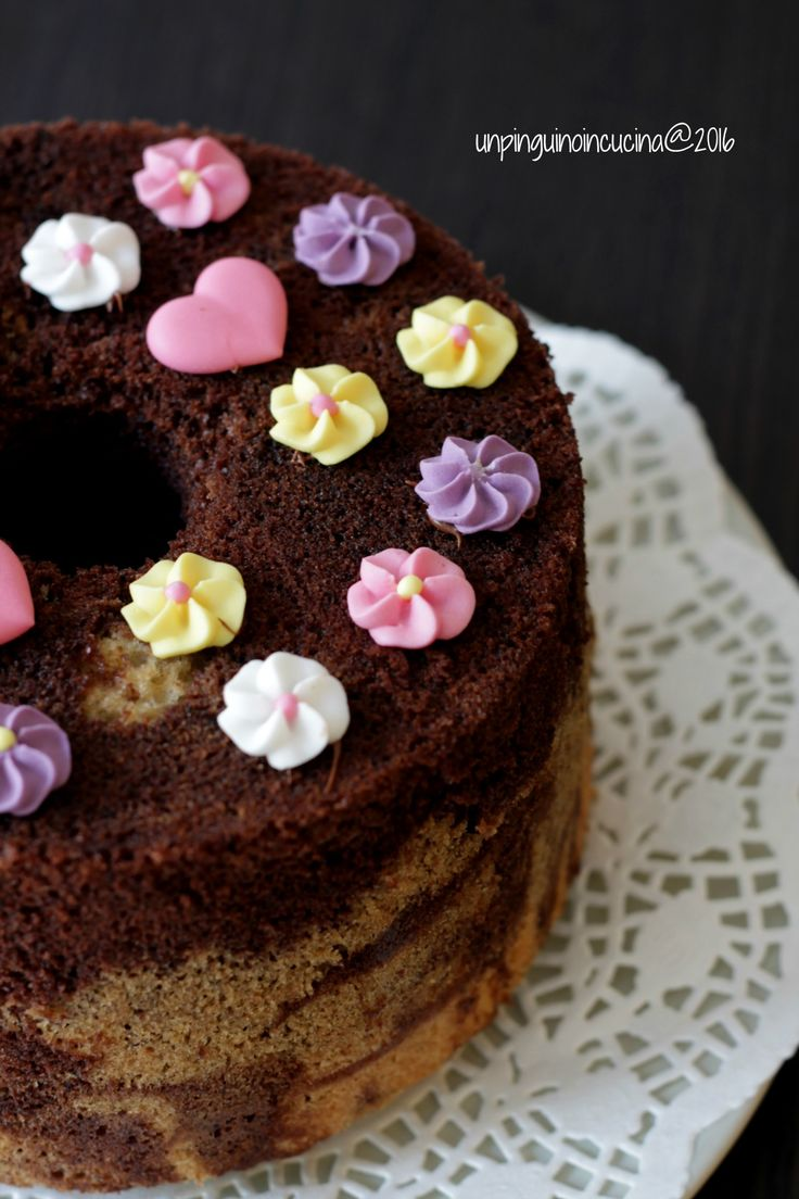 Chocolate and Vanilla Chiffon Cake - Fluffosa marmorizzata | Un Pinguino in Cucina
