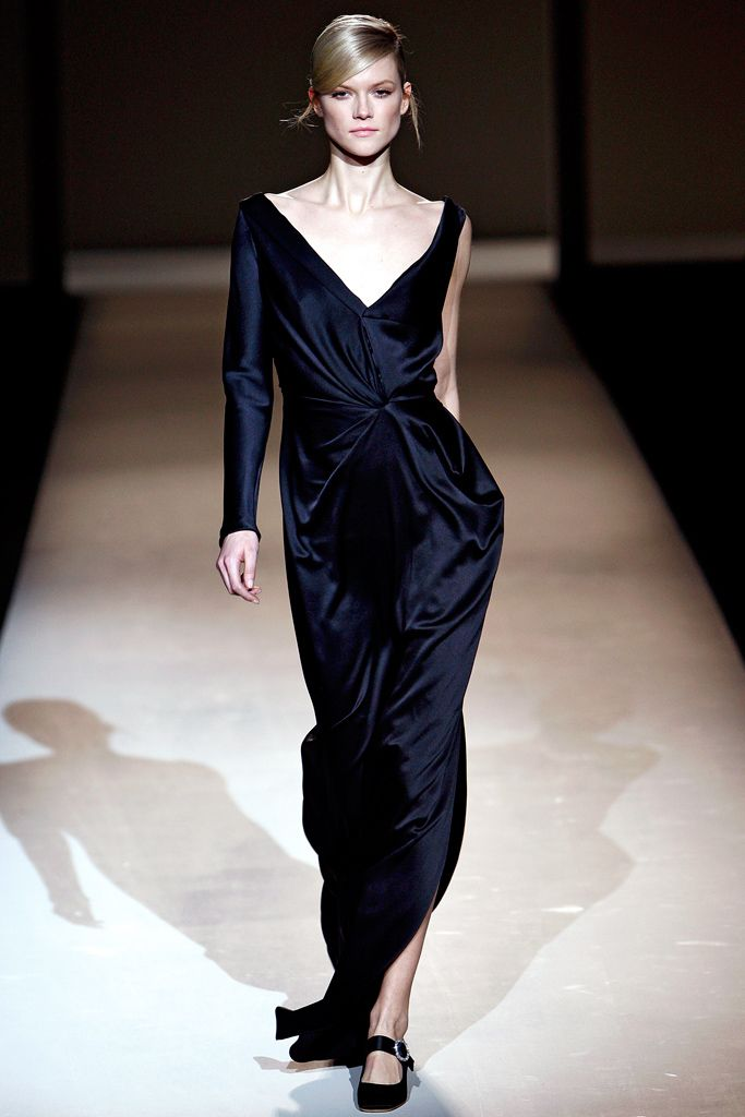 Alberta Ferretti Fall 2011 Ready-to-Wear