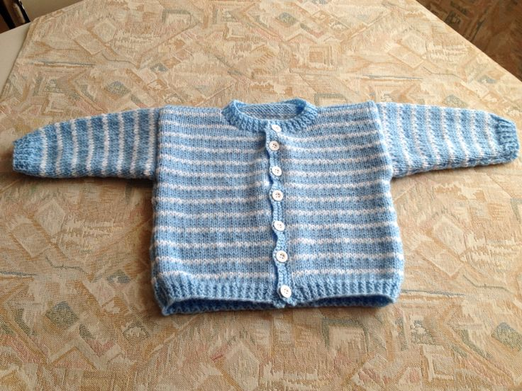 Blue & white striped hand knitted kids cardigan - Blauw & wit gestreept handgebreid kindervest