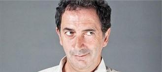 Le Prix Raymond Devos pour François Morel : L'humoriste et comédien, connu notamment pour sa chronique sur France Inter le vendredi matin, recevra son prix au Festival du mot. (Livres Hebdo)