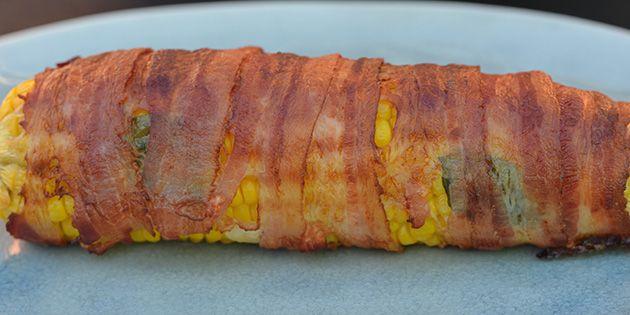 Majskolber er lækre, men majskolber med bacon viklet om er intet mindre end fantastisk lækkert.
