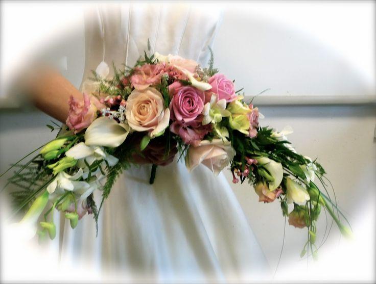17 best images about crescent bouquet on pinterest for Crescent bouquet
