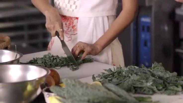 Jessica Alba Makes Kale Salad with ZICO Coconut Water. #CrackLifeOpen
