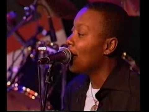 ▶ Meshell Ndegeocello - Outside Your Door (live at NSJF) - YouTube