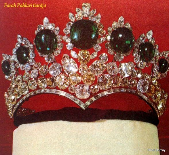 Farah Diba császárné tiarája