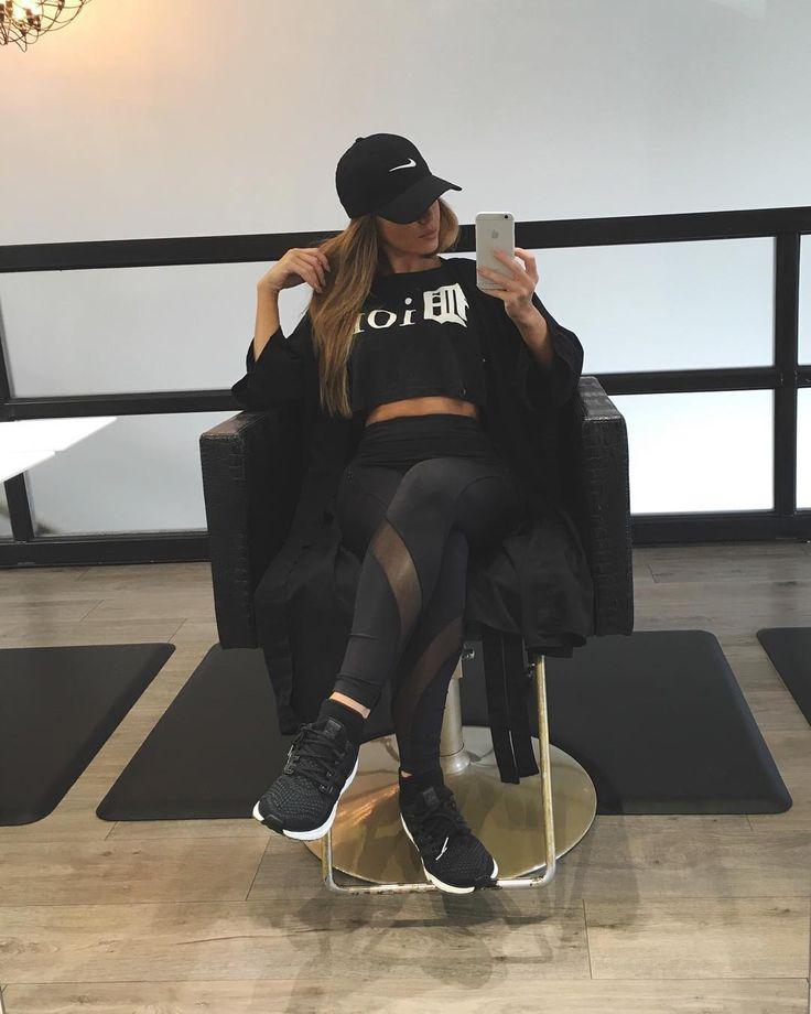 Melissa Molinaro (@melissamolinaro) • Instagram photos and videos