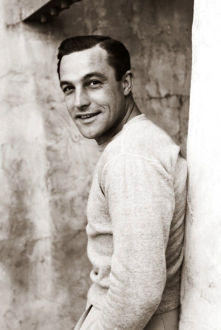 Gene Kelly ~ He was an incredible dancer! I could watch his dance routines forever ... GENE-IUS