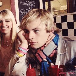 Someone looks board and its not Rydel