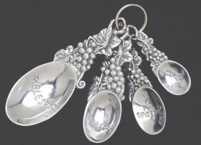 Fancy silver plated measuring spoons: they make for some vintage baking!
