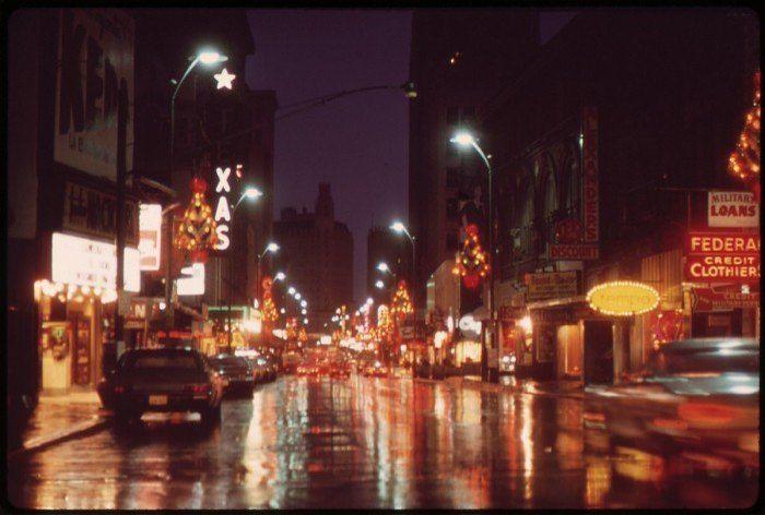 8 A Street Scene On The Night Of Thanksgiving Day San Antonio 1972 In 2020 Street Scenes Photo City