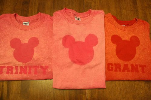 Mickey bleach DIY tshirts. Would be cute for disney trip or for a party. I have used this technique and kids had fun and was easy.