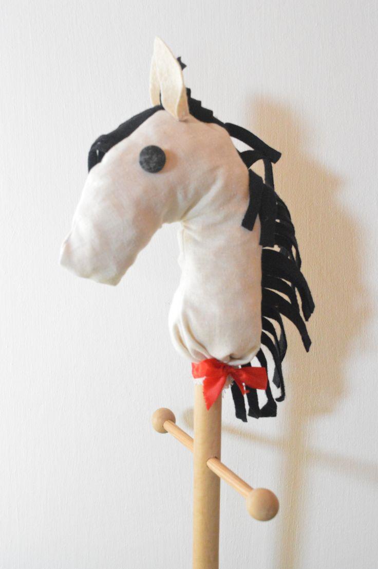 Játék lovacska a kedvenc keresztlányomnak :) Toy horse for my favourite goddaughter :)