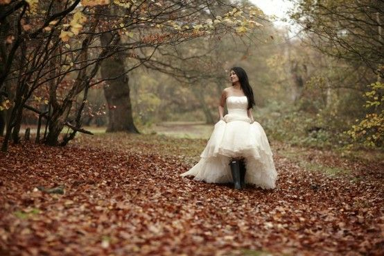 so so so pritty i would love to take fall pictures in a beautiful white dress...katie when i move back home i wanna