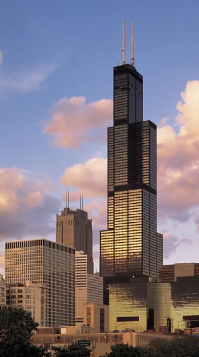 8 Must-See Tourist Attractions in Chicago: Sears Tower Skydeck